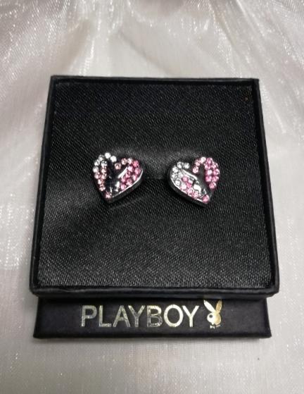 Playboy-nemesacél-fülbevaló-cirkónia-ékszer-bizsuékszerbolt.hu